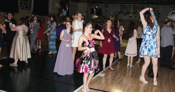 Special Needs Teens Enjoy a Beautiful Evening at the Starry Starry Night Prom