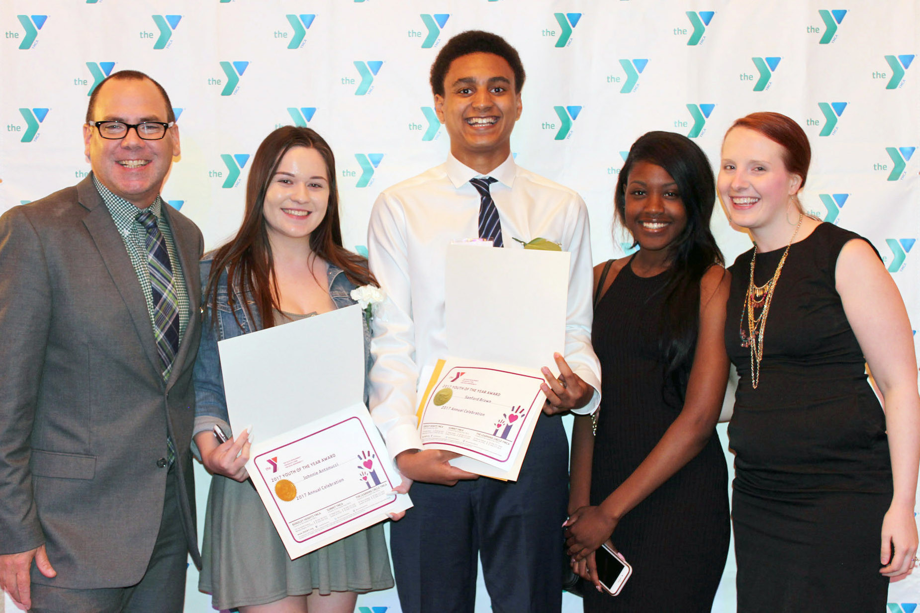 Summit Area YMCA awards Dwight Giles Scholarship to 5 High School Teens
