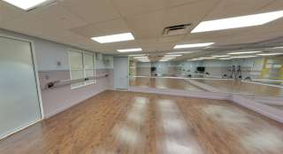 BARRE ROOM